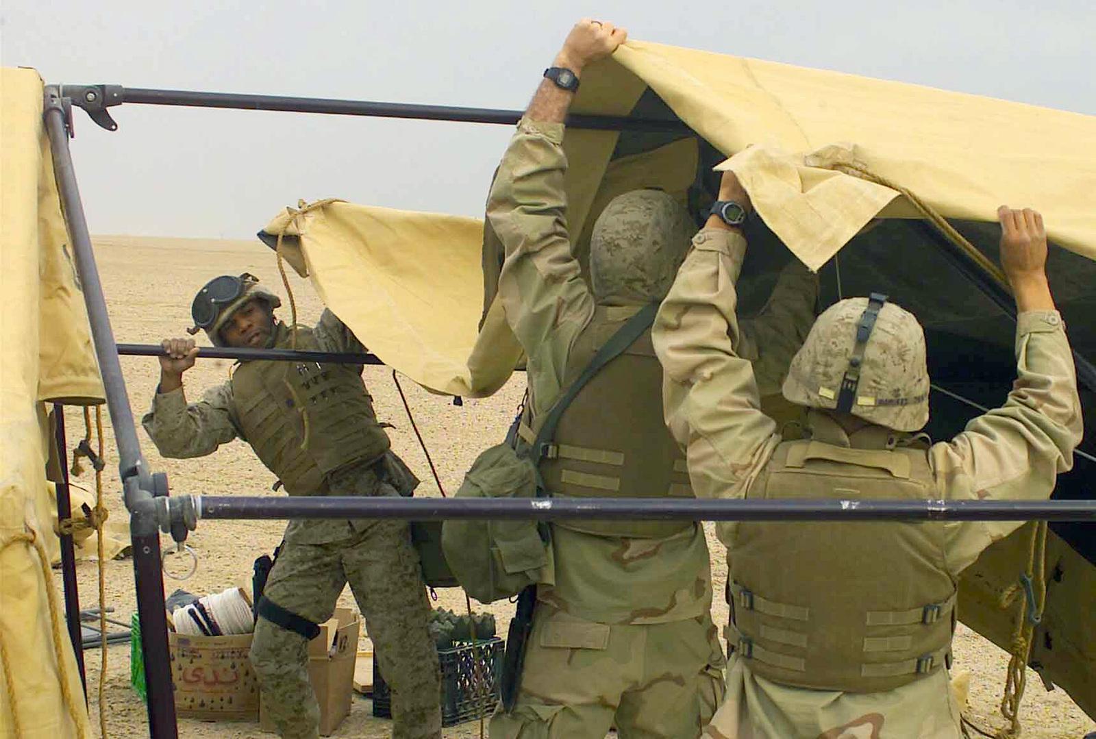 Us Marine Corps Usmc Gunnery Sergeant Gysgt John Scott Left