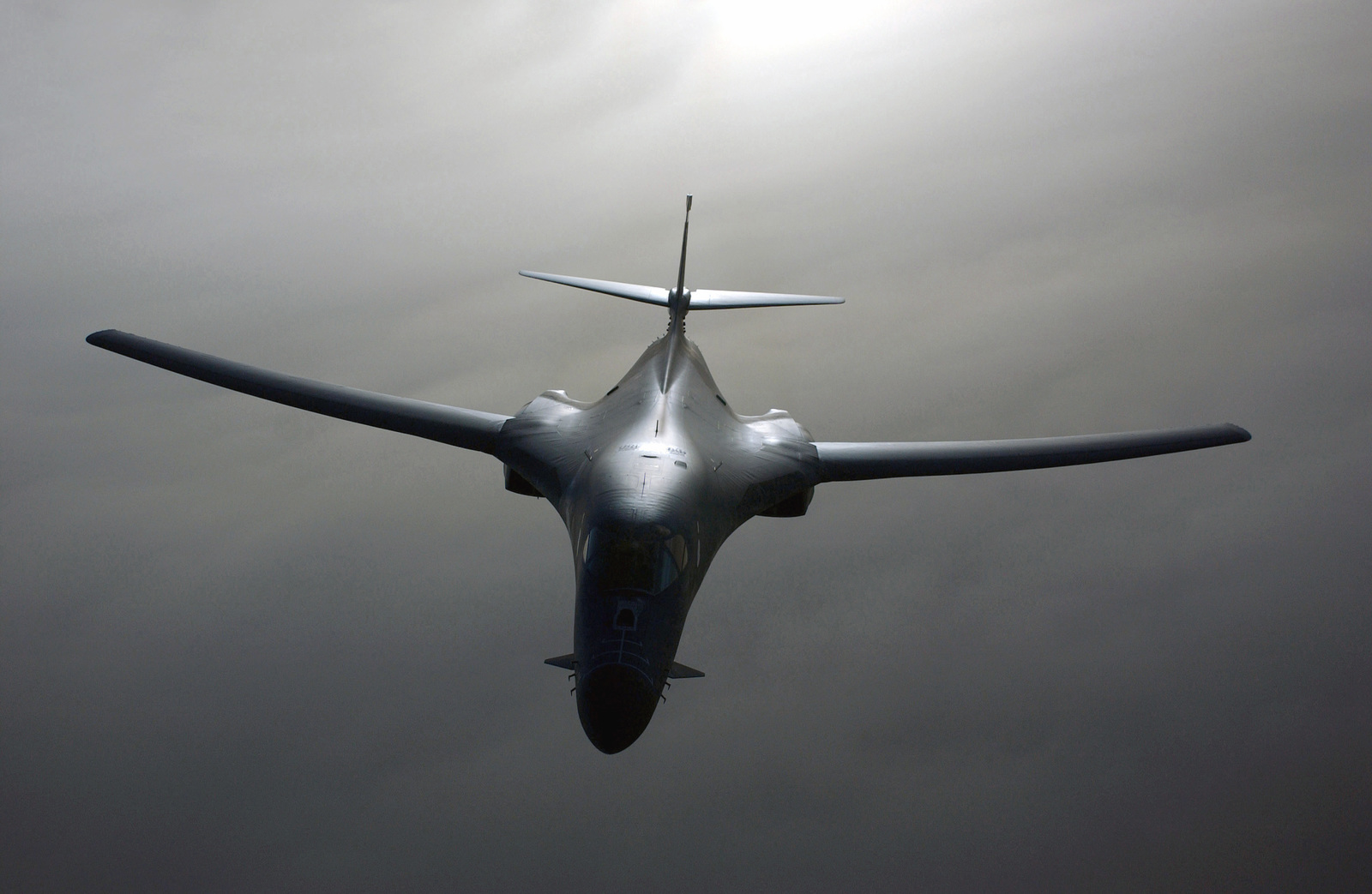 A US Air Force (USAF) B-1B Lancer aircraft from the 405th Air Expeditionary Wing (AEW), enroute to a mission over Iraq, in support of Operation IRAQI FREEDOM