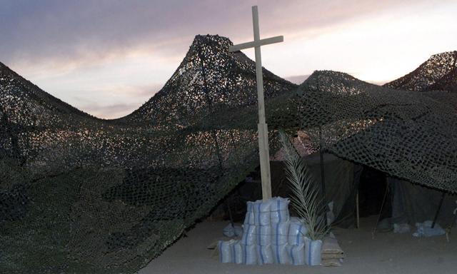 US Marine Corps (USMC), Marine Wing Support Squadron-271 (MWSS-271) worship area at Three Rivers, Iraq, during Operation IRAQI FREEDOM