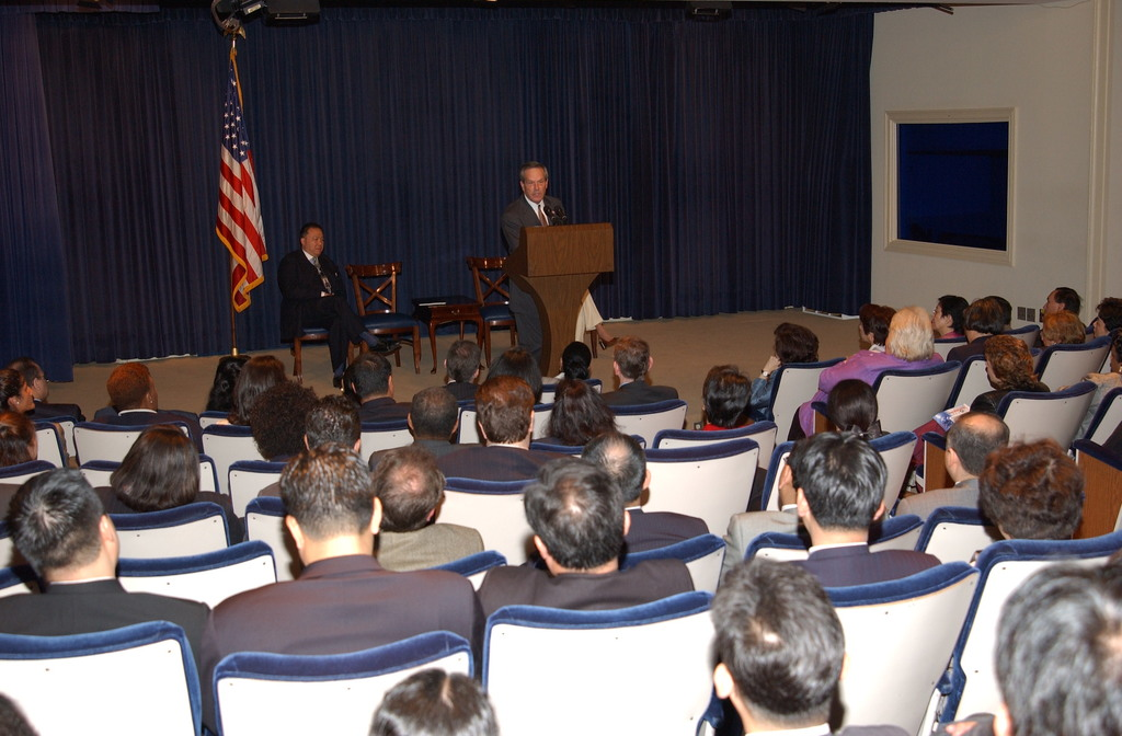 [Assignment: OS_2003_1201_147] Office of the Secretary - SECRETARY DONALD EVANS' ADDRESS TO UNITED STATES / PAN ASIAN CHAMBER OF COMMERCE [40_CFD_OS_2003_1201_147_666.JPG]