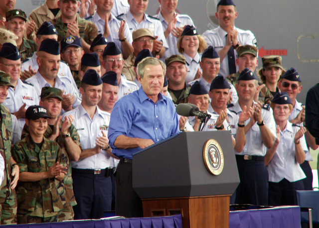 US President George W. Bush addresses a crowd attending a 4th of July Celebration at the US Air Force (USAF) Air Force Museum, at Wright-Patterson Air Force Base (AFB), Ohio (OH)