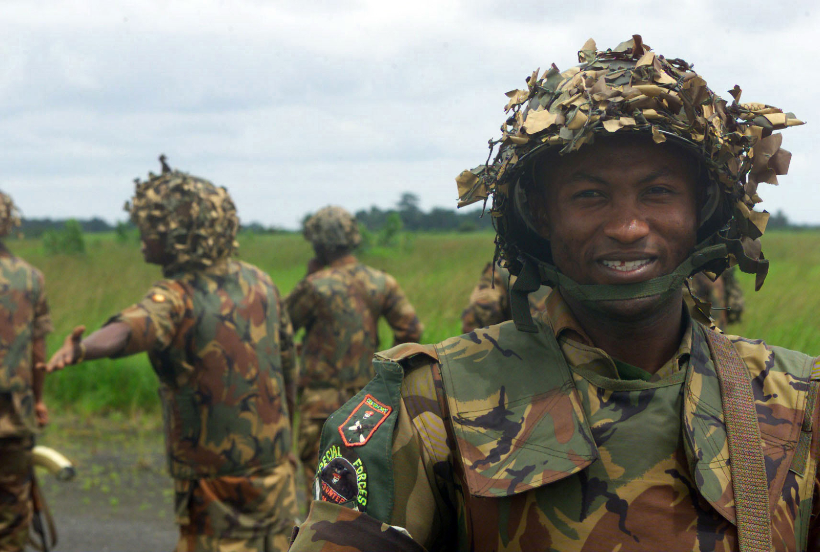 Nigerian Army Special Forces Soldiers assist US Marine ...  Nigerian Army Special Forces