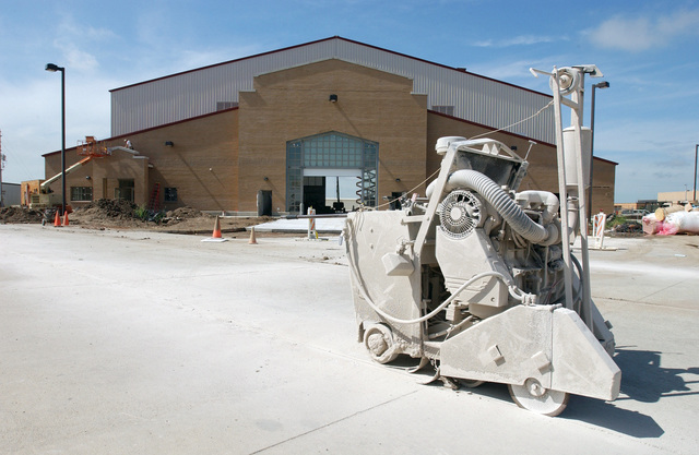 The new aircraft fuel cell hangar for the 185th Air Refueling Wing (ARW), Iowa Air National Guard (IAANG), under construction at Sioux City, Iowa