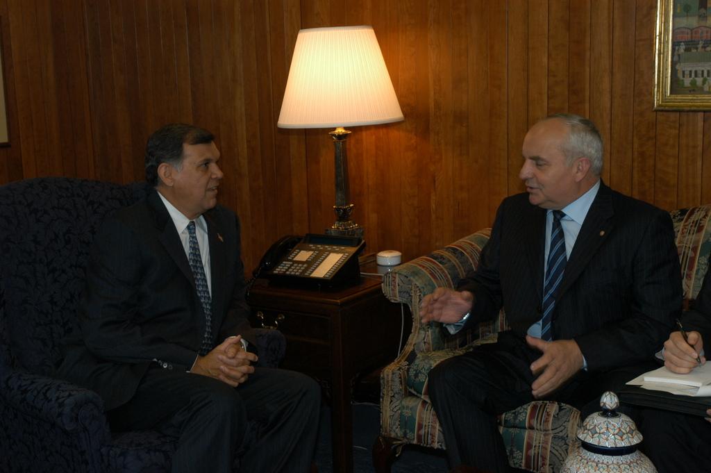 Secretary Mel Martinez, Russian Minister Nicolay Koshman Signing Memorandum of Cooperation