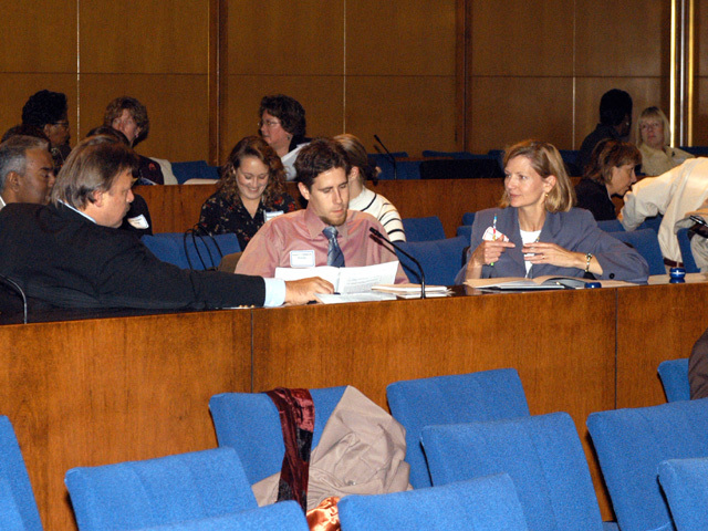 [Assignment: 59-CF-DS-9034-04] Civil service mid-term evaluation session in Loy Henderson Auditorium [Photographer: Mark Stewart--State] [59-CF-DS-9034-04_Mentoring_26.jpg]