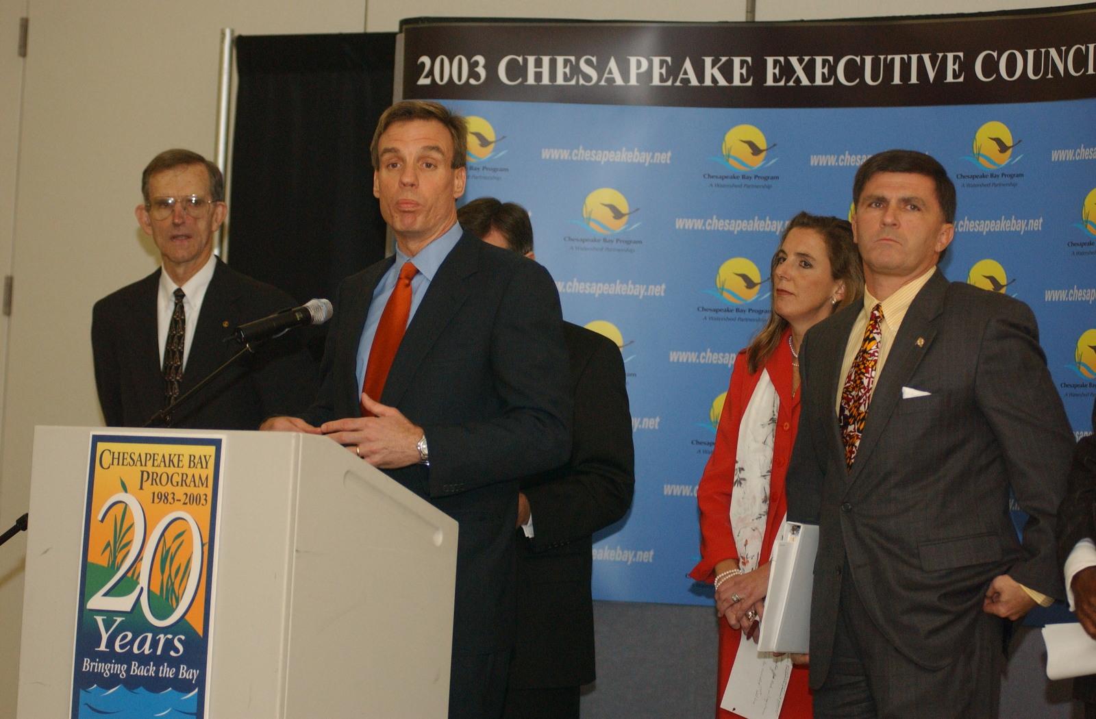 2003 Chesapeake Bay shoot - Executive Council meeting [412-APD-A167-IMAGE303.JPG]