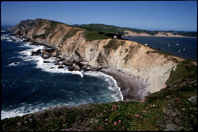 Library of Environmental Images, Office of Research and Development (ORD), September 1996 - Scenic/General - Rocky coastline (Pt. Reyes, CA)