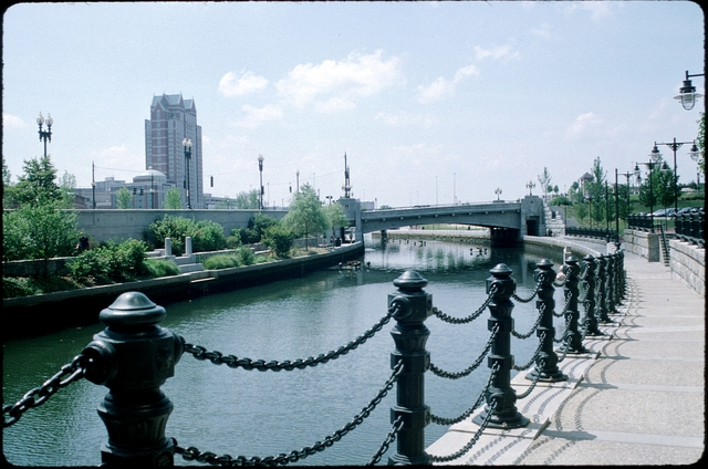 Library of Environmental Images, Office of Research and Development (ORD), September 1996 - Scenic/General - River flowing through urban park (RI)