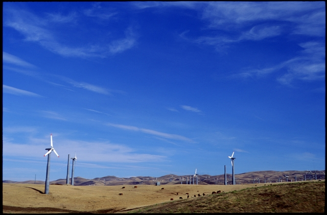 Library of Environmental Images, Office of Research and Development (ORD), September 1996 - Air - Wind farm (Livermore, CA)