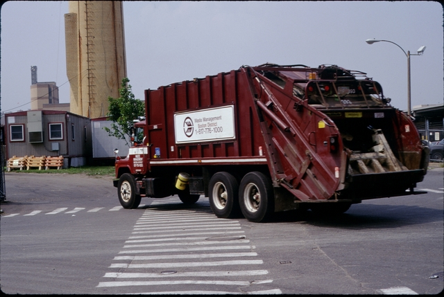 Library of Environmental Images, Office of Research and Development (ORD), September 1996 - Municipal Solid Waste - Truck pulling into waste management facility