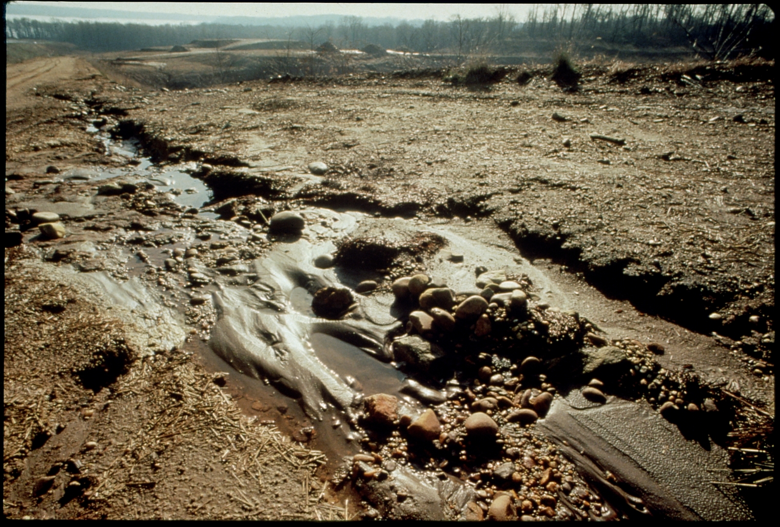 Library of Environmental Images, Office of Research and Development (ORD), September 1996 - Water - River bed