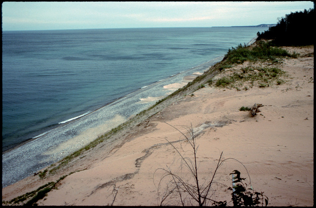 Library of Environmental Images, Office of Research and Development (ORD), September 1996 - Scenic/General - Sand dunes (Lake Superior, MI)