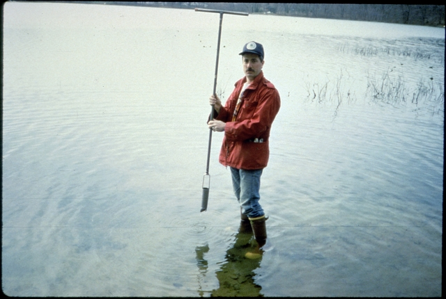 Library of Environmental Images, Office of Research and Development (ORD), September 1996 - Water - Worker taking sediment samples in a lake