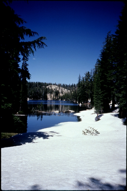 Library of Environmental Images, Office of Research and Development (ORD), September 1996 - Scenic/General - Alpine lake in winter (CA)