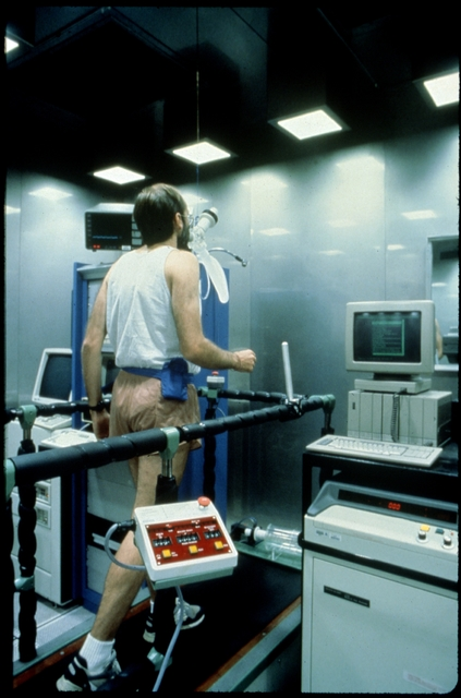 Library of Environmental Images, Office of Research and Development (ORD), September 1996 - Environmental Technology - Testing effects of pollution at NHEERL Human Studies Division's Clinical Research Facility