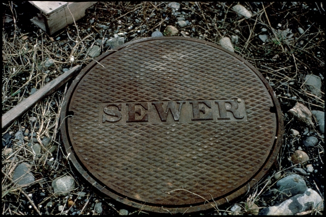 Library of Environmental Images, Office of Research and Development (ORD), September 1996 - Water - Sewer cover
