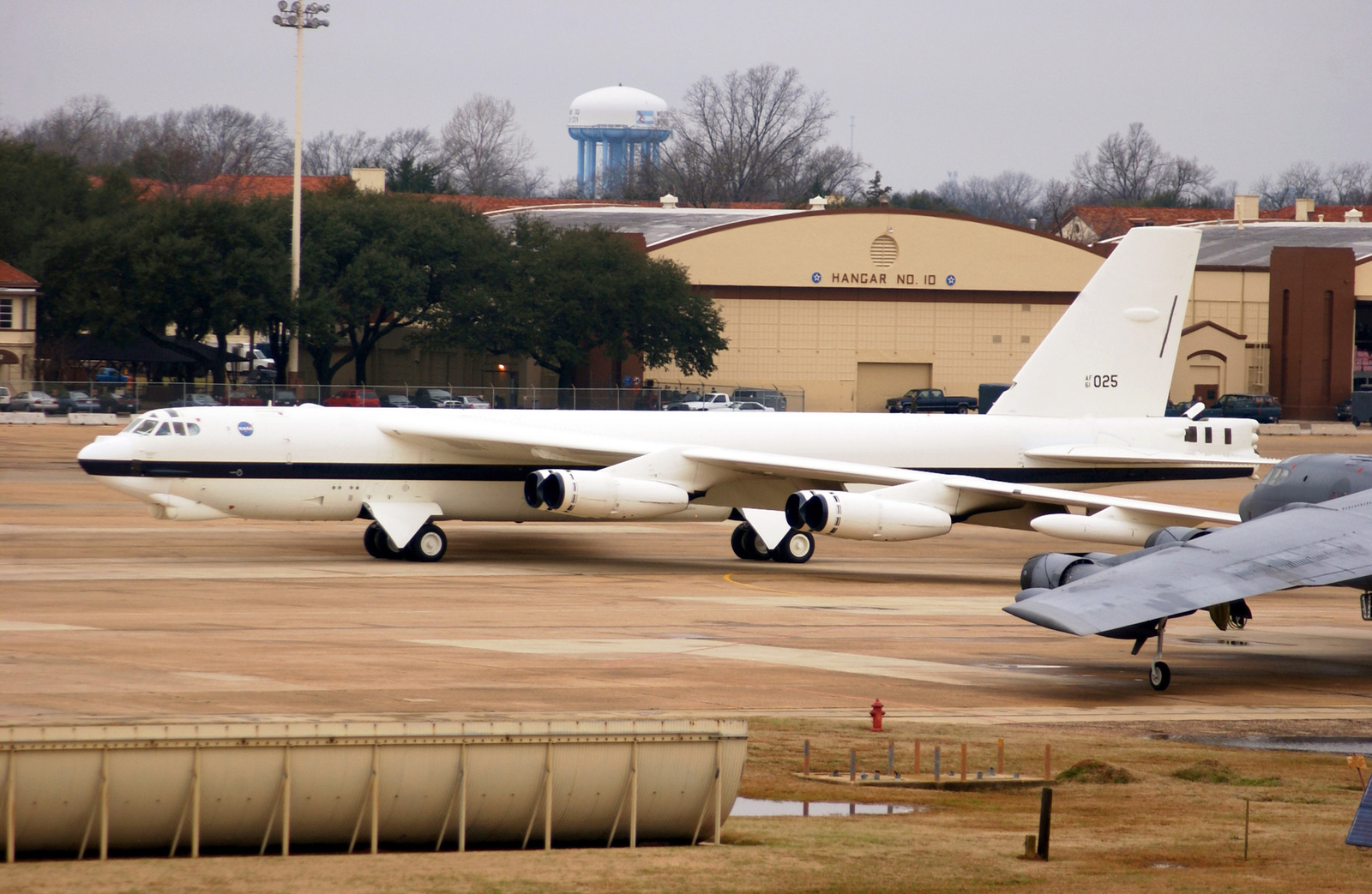 A National Air and Space Administration (NASA) B-52H Stratofortress on loan from the US Air Force (USAF) arrives at Barksdale Air Force Base (AFB), Louissiana (LA). The Stratofortress will undergo a Phase Two inspection by personnel from the Air Force Reserve Commands 917th Wing. The inspection entails a nose-to-tail overhaul of the aircraft