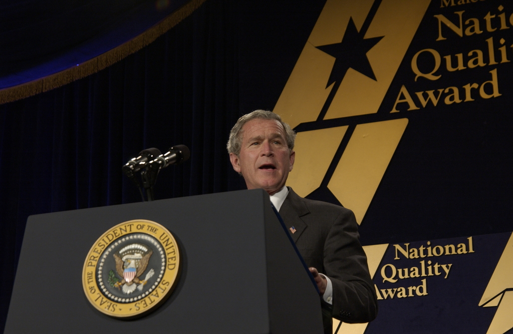 [Assignment: NIST_2004_2160_1] National Institute of Standards and Technology - MALCOLM BALDRIGE NATIONAL QUALITY AWARD CEREMONY [40_CFD_NIST_2004_2160_1_DSC_1997.JPG]