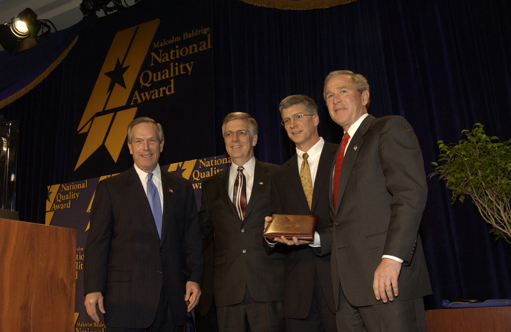 [Assignment: NIST_2004_2160_1] National Institute of Standards and Technology - MALCOLM BALDRIGE NATIONAL QUALITY AWARD CEREMONY [40_CFD_NIST_2004_2160_1_DSC_1952.JPG]