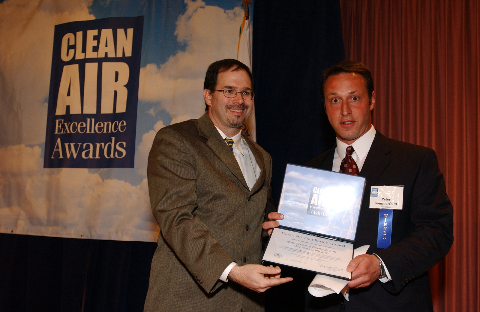 Mike Leavitt with unknown individuals; Stephen Johnson at Clean Air Excellence Awards [412-APD-A214-DSC_0332.JPG]