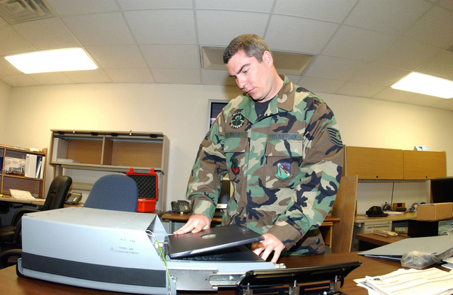 US Air Force (USAF) Technical Sergeant (TSGT) Wilbur Massie, with Detachment 2 (Det 2) Training Squadron (TS), demonstrates fabricating an enhanced situational awarness beyond line of sight (SA/BLOS)
