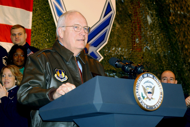 Dick Cheney, Vice President of the United States, speaks to US Air Force (USAF) military and civilian personnel during his official visit to Wright-Patterson (WP) Air Force Base (AFB), Ohio (OH)