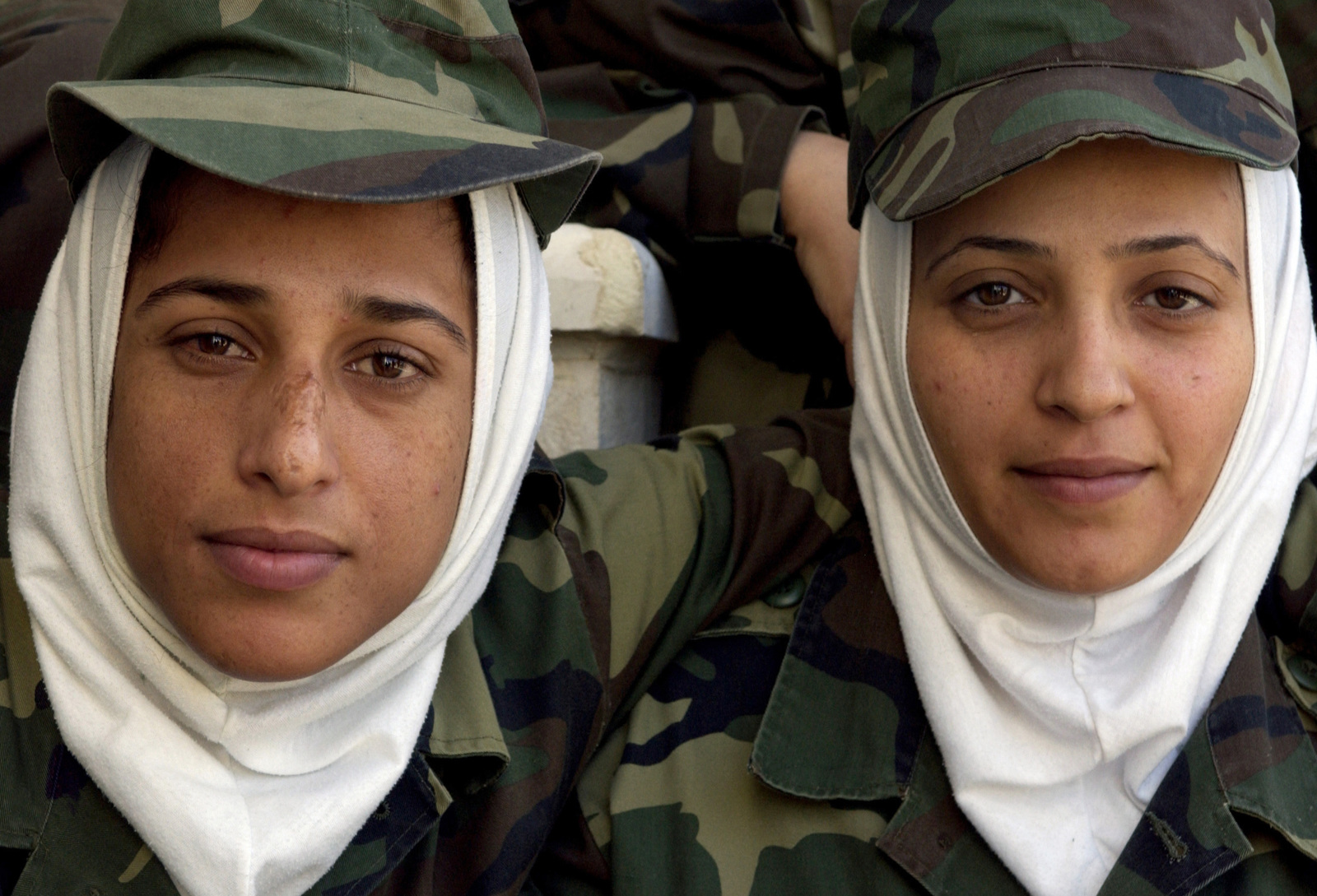 Iraqi Soldiers, from the second class of females, in the new