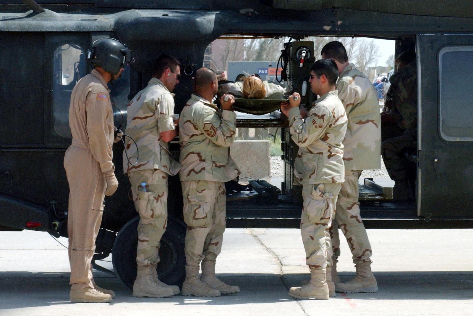 b4575995d122 Us army usa sergeant first class juan dometriz in flight jpg 1600x1067  Black helicopter flight suit