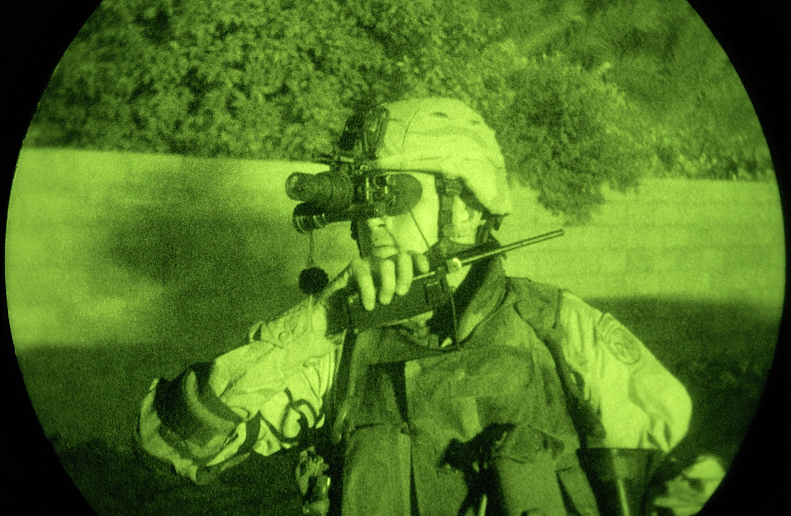 night vision light enhanced photography showing us army usa sergeant first f9d0fc 1600