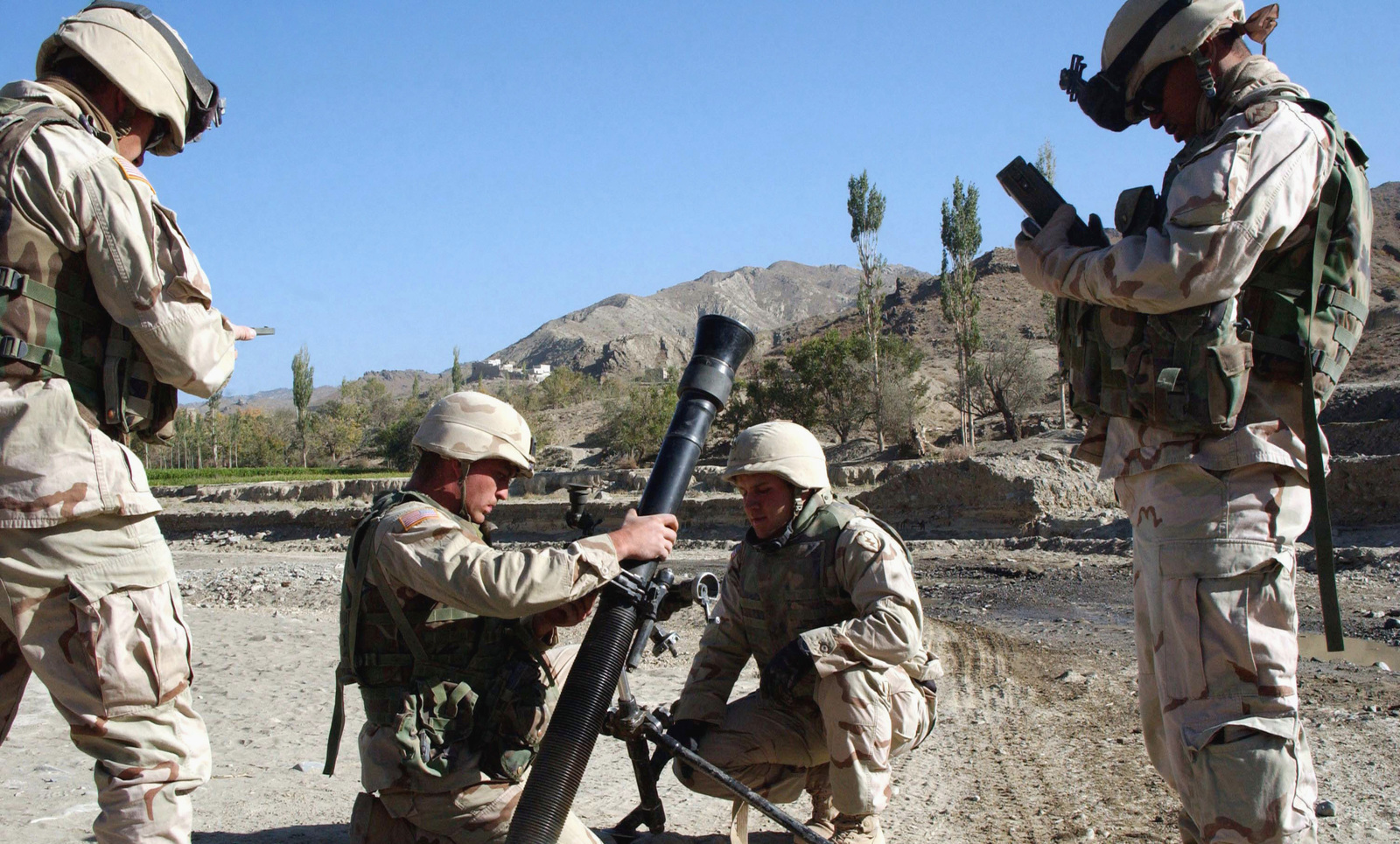 us army  usa  soldiers assigned to mortar platoon  2nd
