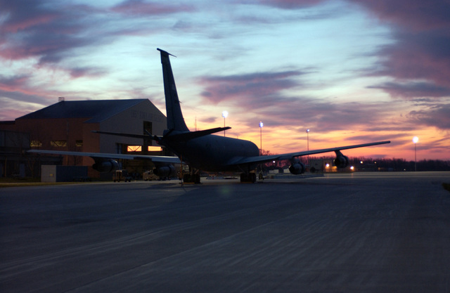 An Iowa Air National Guard 185th Air Refueling Wing KC-135E Stratotanker inflight refueling special purpose aircraft, stands parked outside the new maintenance hanger at the Sioux Gateway Airport, Sioux City, Iowa, on Nov. 9, 2004.(U.S. Air Force PHOTO by MASTER Sg. Vincent De Groot) (Released)