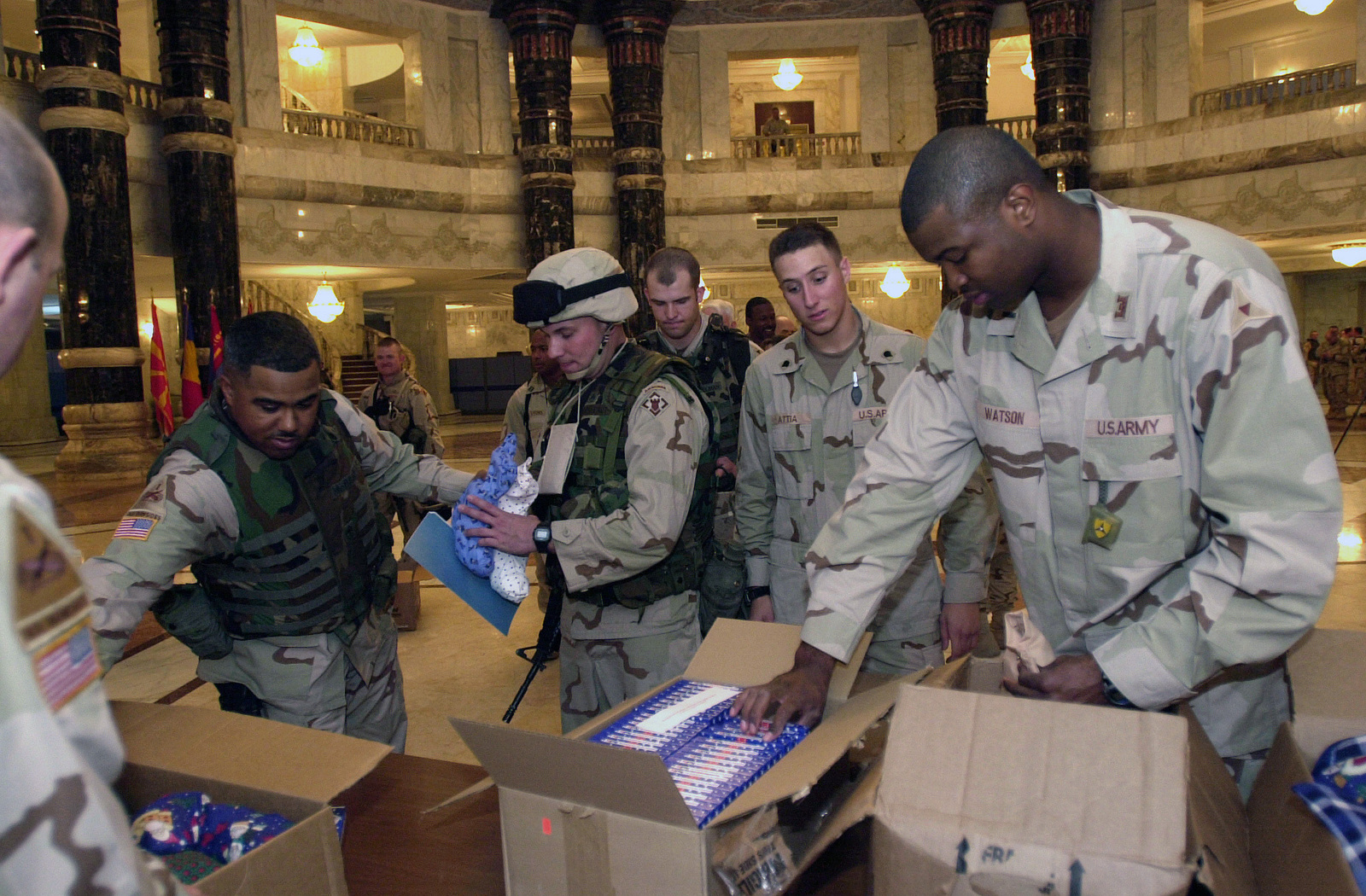 US Army (USA) Soldiers are issued free gift stocking and phone cards ...