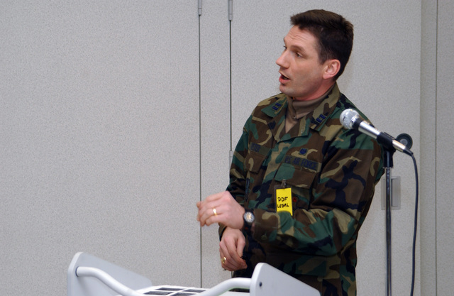 U.S. Air Force 354th Fighter Wing CAPT. Brian Teter gives a briefing to personnel processing into the Joint Mobility Complex during the 354th Fighter Wing Operational Readiness Inspection Arctic Gold 05-02 Phase 1, at Eielson Air Force Base, Alaska, Jan. 25, 2005. (U.S. Air Force PHOTO by AIRMAN 1ST Class Anthony Nelson Jr.) (Released)v
