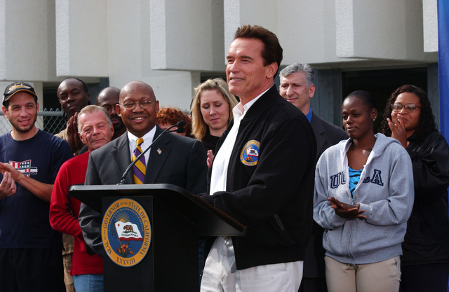 Secretary Alphonso Jackson with California Governor Arnold Schwarzenegger at Homeless Funding Announcement