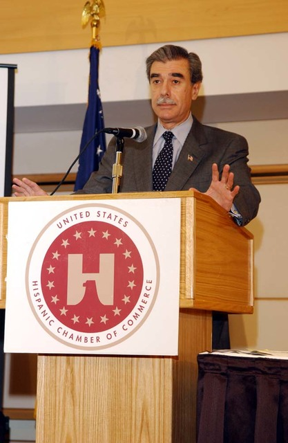 [Assignment: OS_2005_1201_198] Office of the Secretary - Secretary Carlos Gutierrez Address United States Hispanic Chamber of Commerce [40_CFD_OS_2005_1201_198_667.jpg]