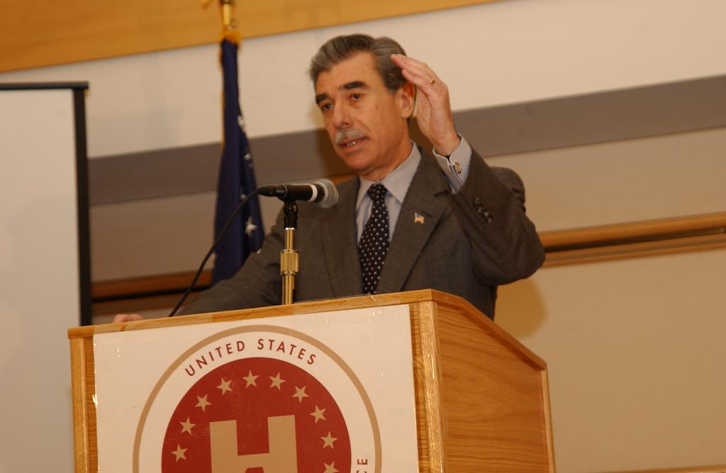 [Assignment: OS_2005_1201_198] Office of the Secretary - Secretary Carlos Gutierrez Address United States Hispanic Chamber of Commerce [40_CFD_OS_2005_1201_198_669.JPG]
