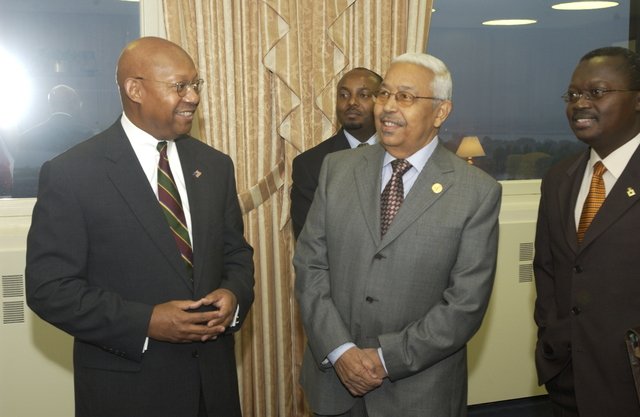 Secretary Alphonso Jackson with Cape Verde President