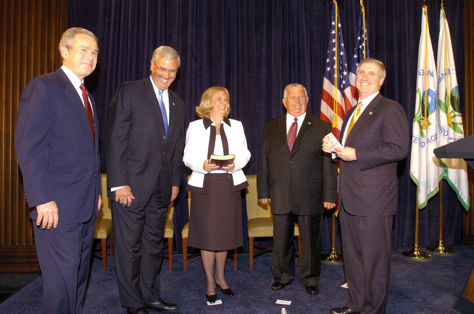 Office of the Administrator (Stephen L. Johnson) - Oath Ceremony, Stephen L. Johnson [412-APD-107-05-23-05_Oath_Ceremony_0054.jpg]
