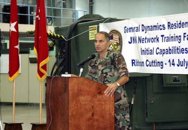 U.S. Army LT. GEN. Steven W. Boutelle, U.S. Army CHIEF Information Officer, addresses the crowd at the ribbon cutting for the Joint Network Node Training Facility at Fort Gordon on July 14, 2005.  (U.S. Army photo by Jimmy Buffington) (Released)