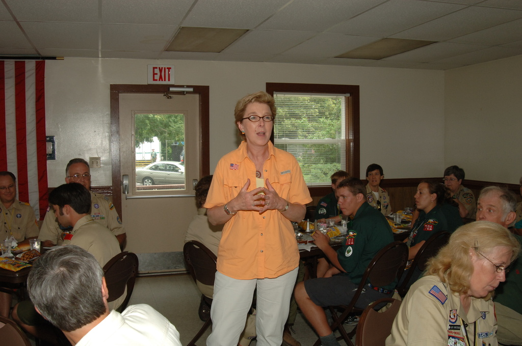 [Assignment: 48-DPA-N_TPIA_Jam_7-28-05] [Department of Interior officials and staff joining counterparts from other agencies in explaining government programs, and  promoting] Take Pride in America initiatives, at the Boy Scouts of America National Scout Jamboree, [Caroline County, Virginia] [48-DPA-N_TPIA_Jam_7-28-05_DOI_6610.JPG]