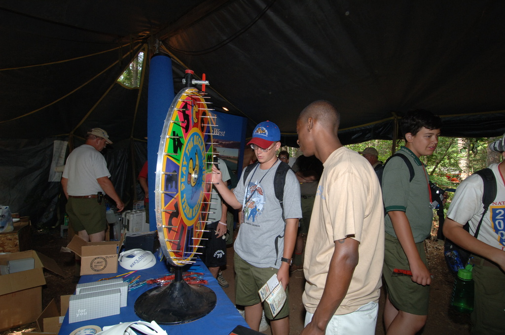 [Assignment: 48-DPA-N_TPIA_Jam_7-28-05] [Department of Interior officials and staff joining counterparts from other agencies in explaining government programs, and  promoting] Take Pride in America initiatives, at the Boy Scouts of America National Scout Jamboree, [Caroline County, Virginia] [48-DPA-N_TPIA_Jam_7-28-05_DOI_6530.JPG]