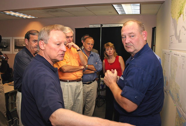 [Hurricane Katrina/Hurricane Rita] Baton Rouge, LA  October 4, 2005 - Rep. Spencer Bachus (R-AL) asks Admiral Thad Allen, FEMA Principal Federal Official for Gulf Coast Operations, about recovery efforts in the areas hardest hit by hurricanes Katrina and Rita.  Photo by Greg Henshall / FEMA