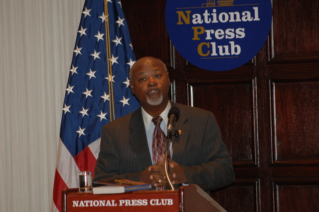 [Assignment: 48-DPA-N_DOUI_Speak_Gavin] Department of the Interior University-sponsored presentation,  [at the National Press Club],  by Dr. James Gavin, [author of Dr. Gavin's Health Guide for African Americans] [48-DPA-N_DOUI_Speak_Gavin_DOI_0738.JPG]