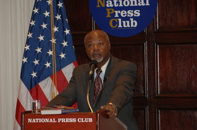 [Assignment: 48-DPA-N_DOUI_Speak_Gavin] Department of the Interior University-sponsored presentation,  [at the National Press Club],  by Dr. James Gavin, [author of Dr. Gavin's Health Guide for African Americans] [48-DPA-N_DOUI_Speak_Gavin_DOI_0734.JPG]