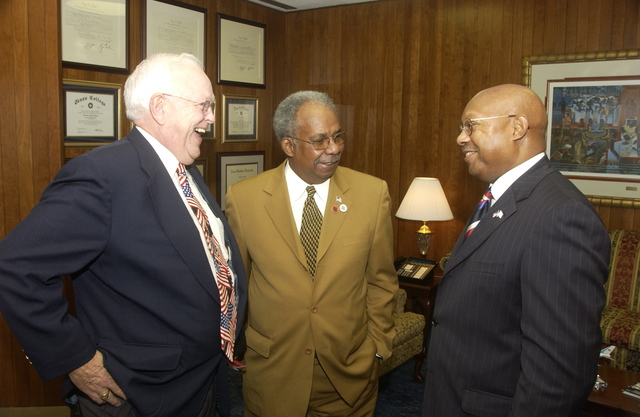 Secretary Alphonso Jackson with Stanley Newsome - Secretary Alphonso Jackson meeting with Stanley Newsome, [former Deputy Chief of the St. Louis, Missouri Fire Department], at HUD Headquarters