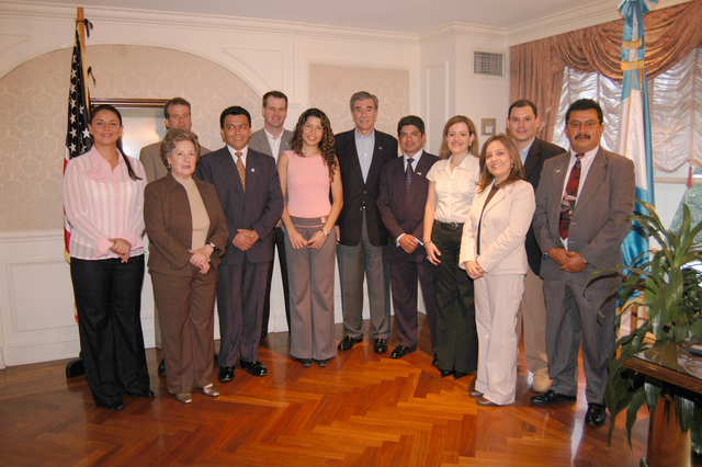[Assignment: OS_2006_1201_34_A] Office of the Secretary (Carlos Gutierrez) - Secretary Central America Free Trade Agreement Trade Mission to Guatemala [40_CFD_OS_2006_1201_34_A_4369_175.jpg]