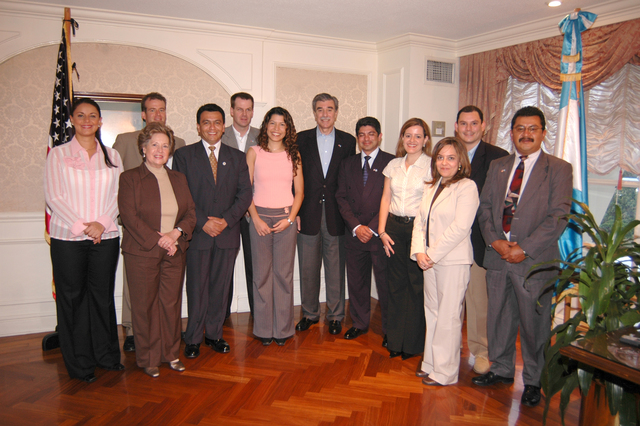 [Assignment: OS_2006_1201_34_A] Office of the Secretary (Carlos Gutierrez) - Secretary Central America Free Trade Agreement Trade Mission to Guatemala [40_CFD_OS_2006_1201_34_A_4369_172.jpg]