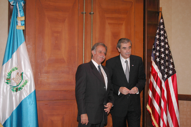 [Assignment: OS_2006_1201_34_A] Office of the Secretary (Carlos Gutierrez) - Secretary Central America Free Trade Agreement Trade Mission to Guatemala [40_CFD_OS_2006_1201_34_A_4369_356.jpg]