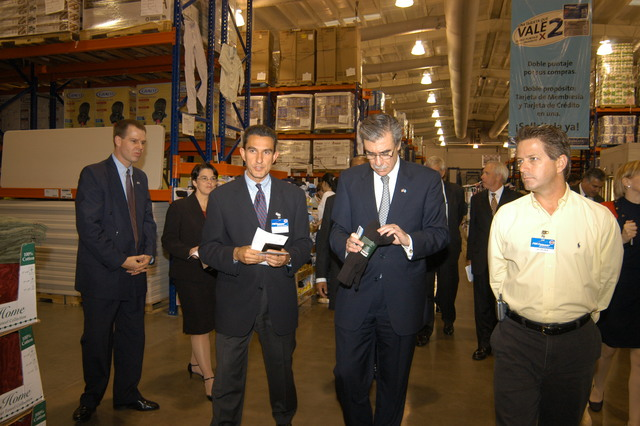 [Assignment: OS_2006_1201_34_C] Office of the Secretary (Carlos Gutierrez) - Secretary Central America Free Trade Agreement Trade Mission to Guatemala [40_CFD_OS_2006_1201_34_C_4369_c_386.jpg]