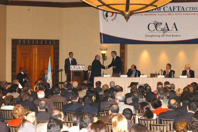[Assignment: OS_2006_1201_34_C] Office of the Secretary (Carlos Gutierrez) - Secretary Central America Free Trade Agreement Trade Mission to Guatemala [40_CFD_OS_2006_1201_34_C_4369_c_088.jpg]